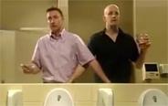 原来外国人是这么上厕所的,请收下我的膝盖!