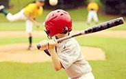 爸比,我棒球打的很棒吧!